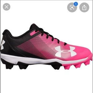 NWT UNDER ARMOUR BASEBALL GIRLS SHOES